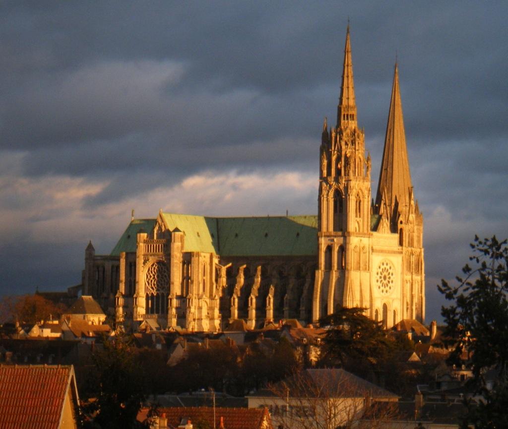 Chartres_Cath+Gare