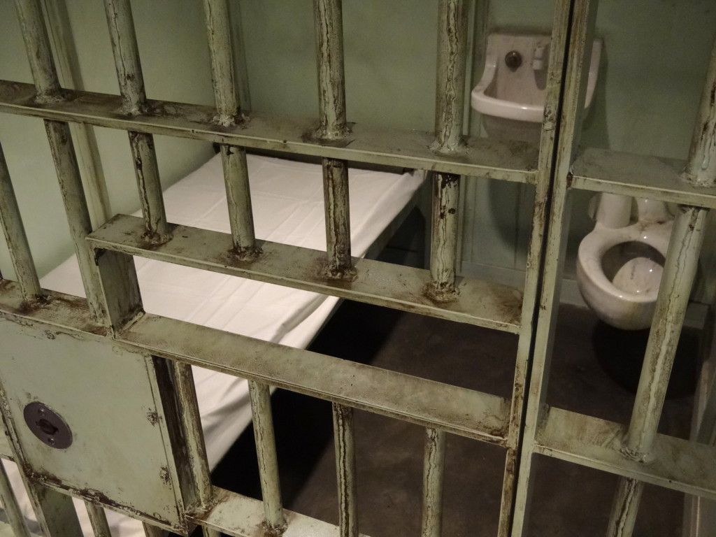 Recreation_of_Martin_Luther_King's_Cell_in_Birmingham_Jail_-_National_Civil_Rights_Museum_-_Downtown_Memphis_-_Tennessee_-_USA